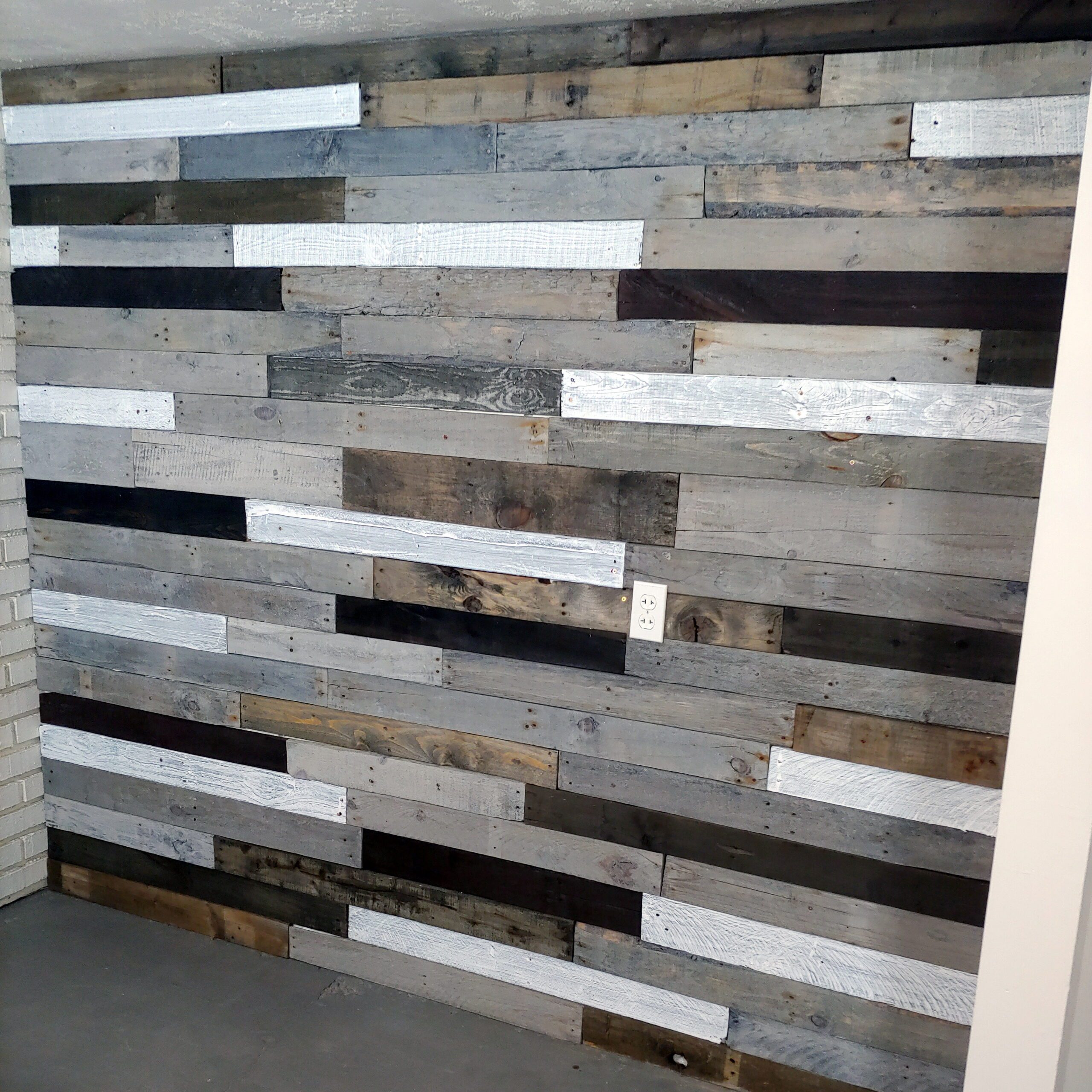 Renting A Pallet Accent Wall: DIY Pallet Wall, Wood Accent Wall, Feature Wall